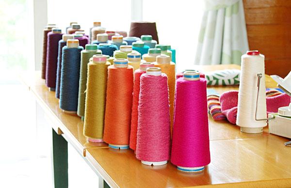 新しい糸と色