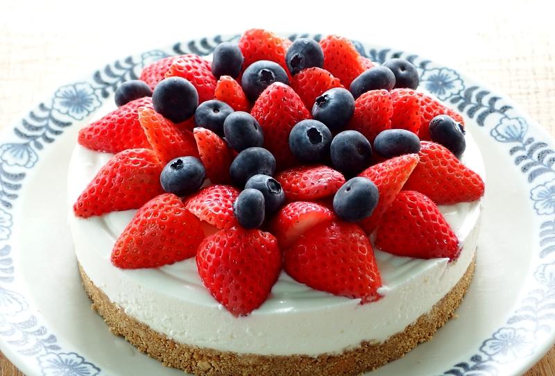 いちごとブルーベリーのチーズケーキ