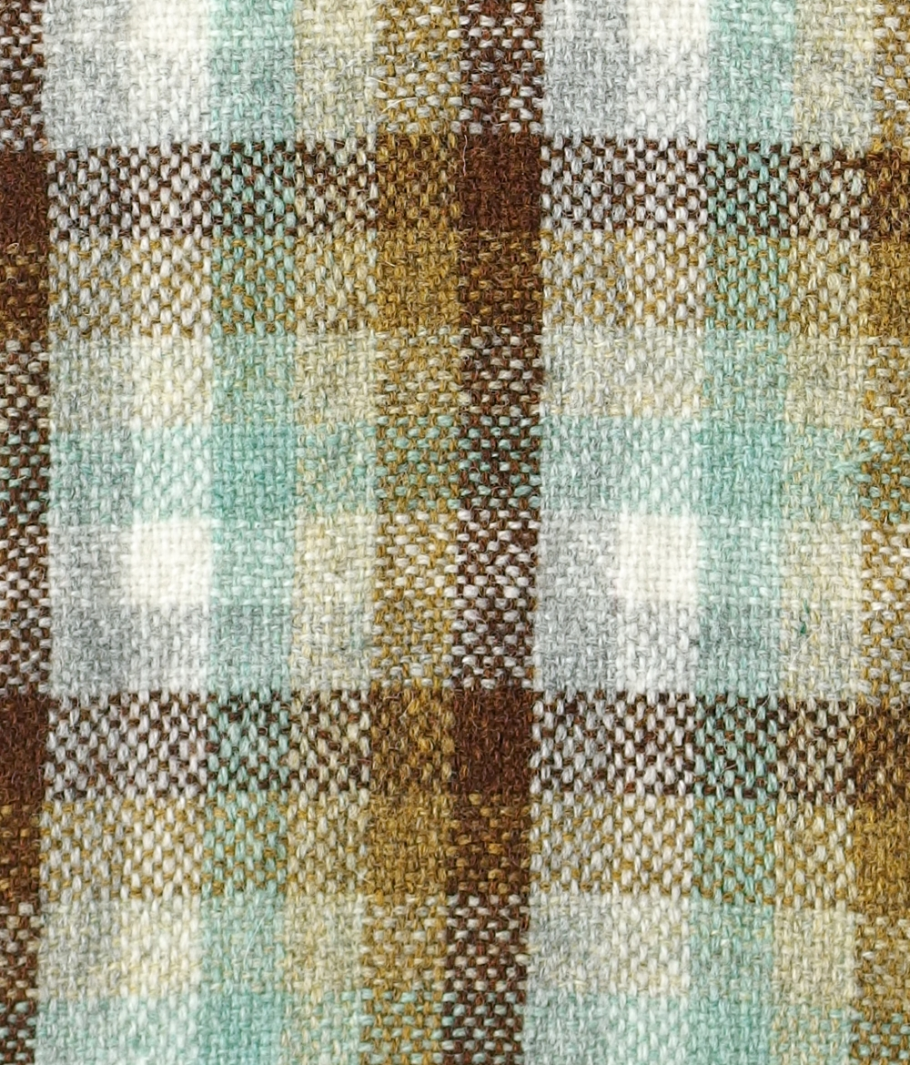 woven fabric using same warp and weft stripes